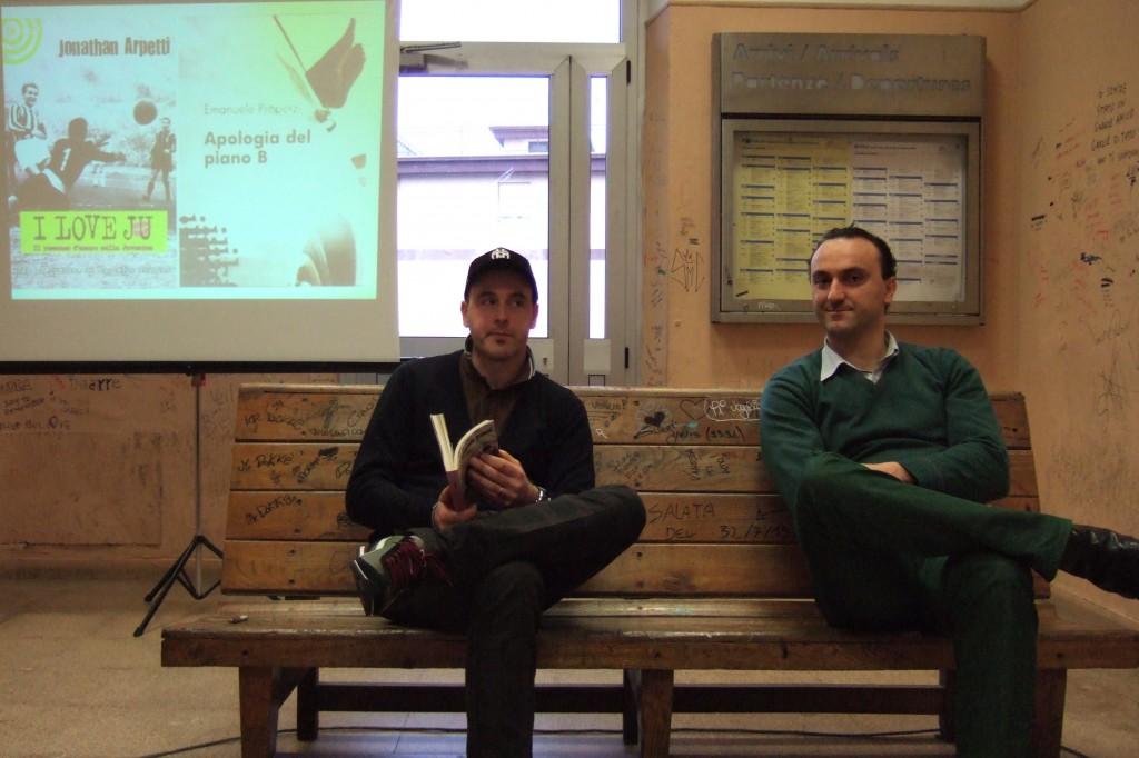 Properzi e Arpetti presentazione libro nella stazione ferroviaria